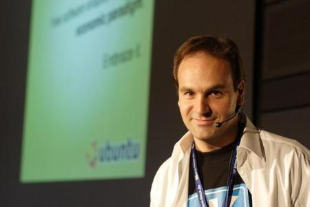 h_4_ill_1260154_b6e3_mark_shuttleworth_after_linuxtag